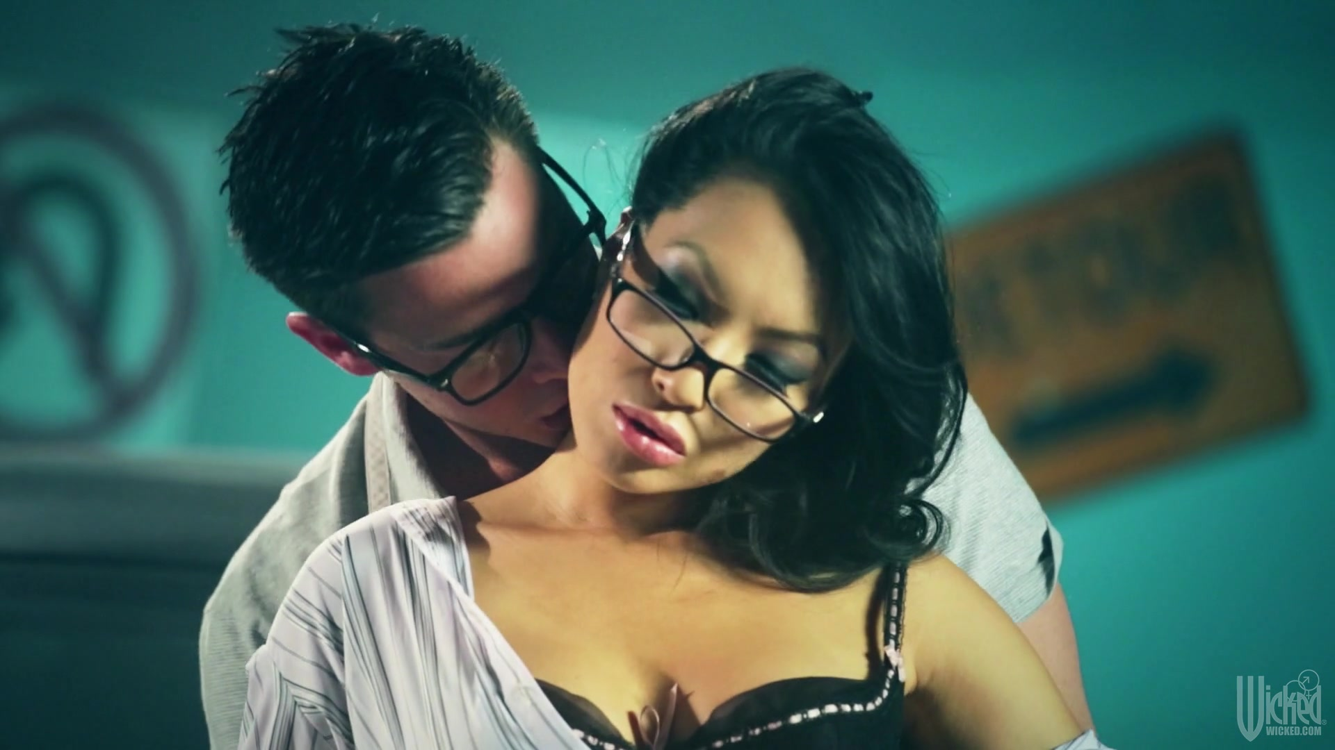 Asian Hottie Asa Akira Gets All Her Holes Fucked Hard In A Garage